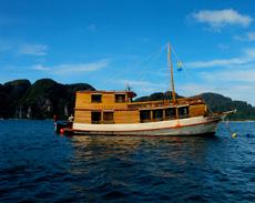 Boat Phuket for weddings, bachelor-, bucks-, hens party