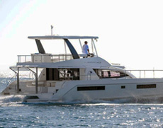 Power Catamaran Shashani Phuket