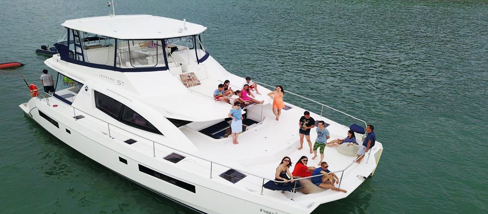 Hire Luxury Power Catamaran Sanyati Phuket